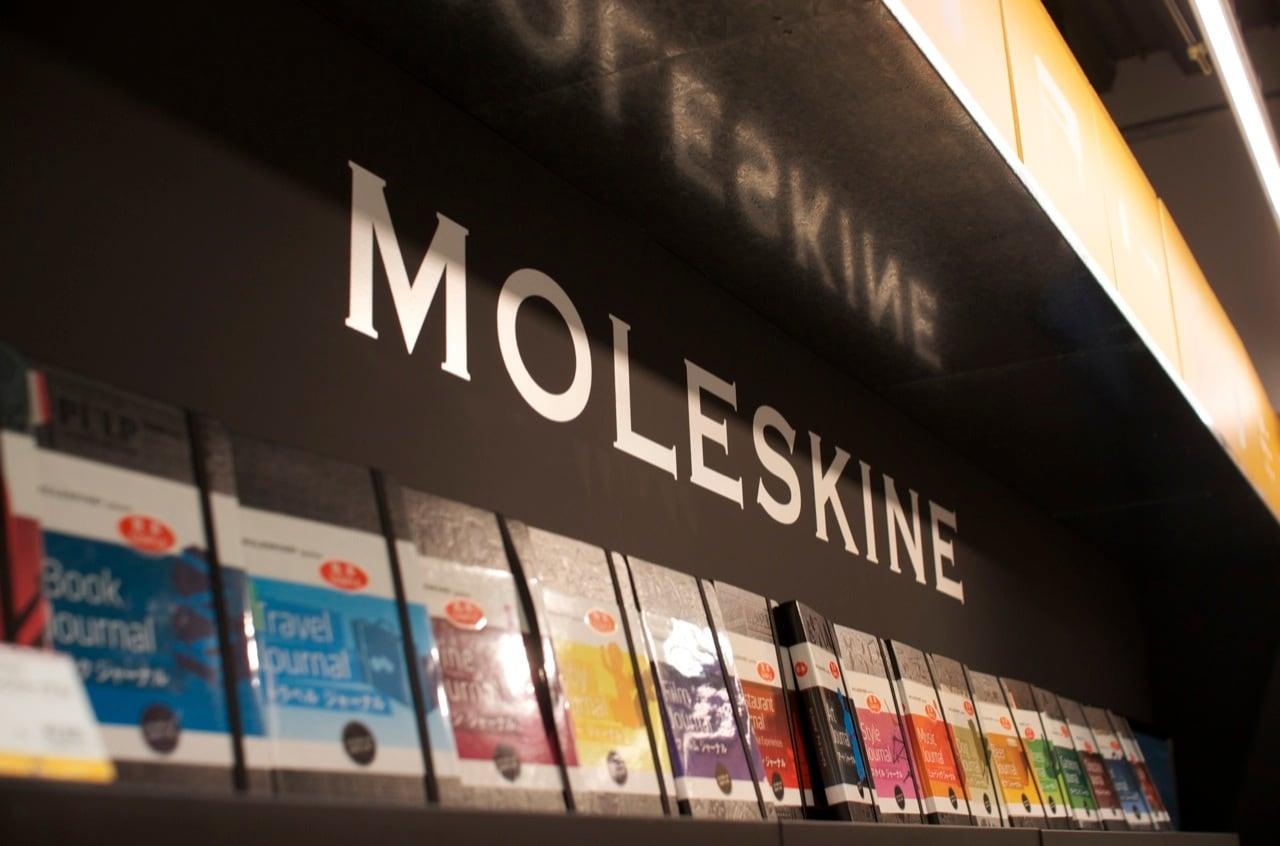 Moleskine shop 01